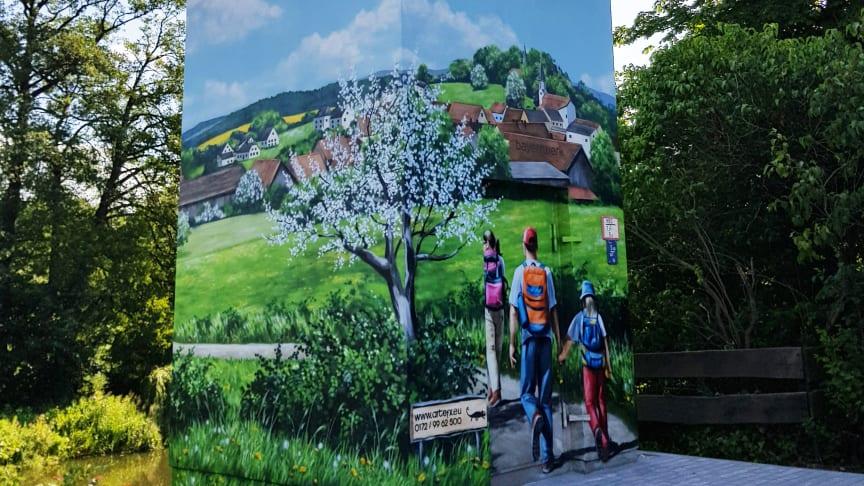 Buntes Treiben in Etzenricht - Bayernwerk schafft neuen Blickfang