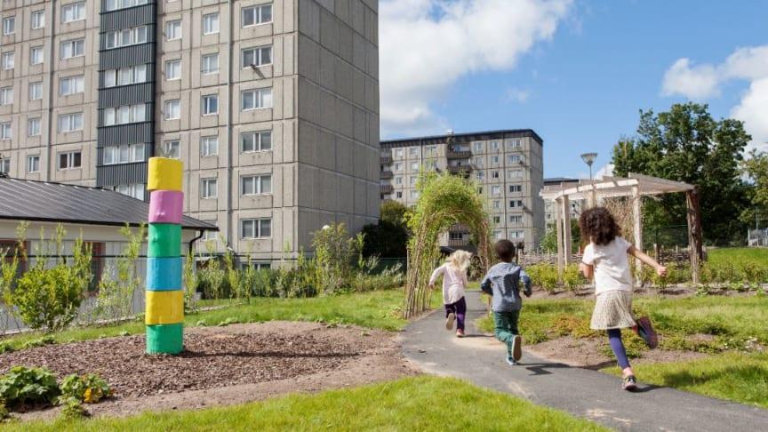 Göteborg ska minska sitt avfall med 30 procent till 2030. Nu finns en vägledning för fastighetsägare som vill hjälpa sina hyresgäster att krympa soppåsarna.
