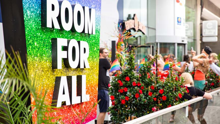 Pride-veckan invigdes med artister, intervjuer och mingel på Clarion Hotel Stockholm