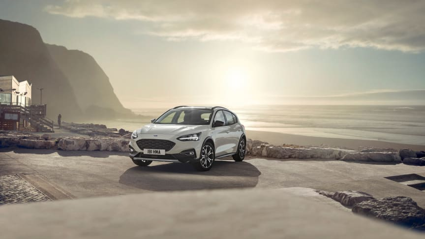 FORD_2018_FOCUS_ACTIVE__03_b