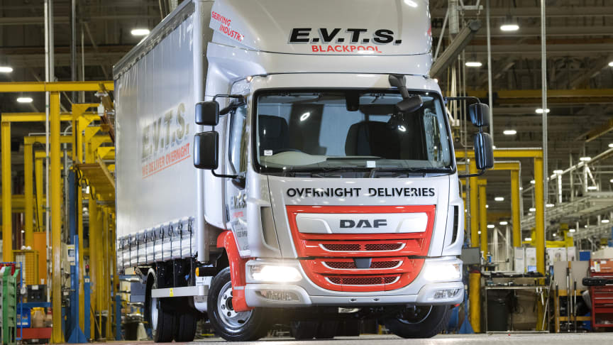 Den 200 000:e DAF LF-lastbilen som byggts av Leyland Trucks är en LF City 170-lastbil på 7,5 ton för det brittiska transportföretaget EVTS i Blackpool.