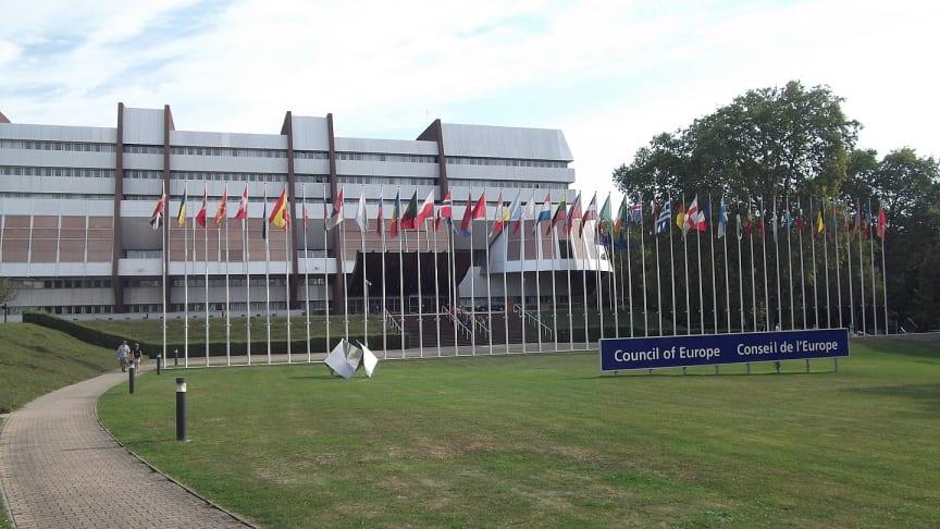 Gebäude des Europarats in Straßburg - Von Hermann Junghans - https://de.wikipedia.org/w/index.php?curid=7453857
