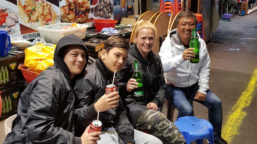 Tomi Ilonen med familjen