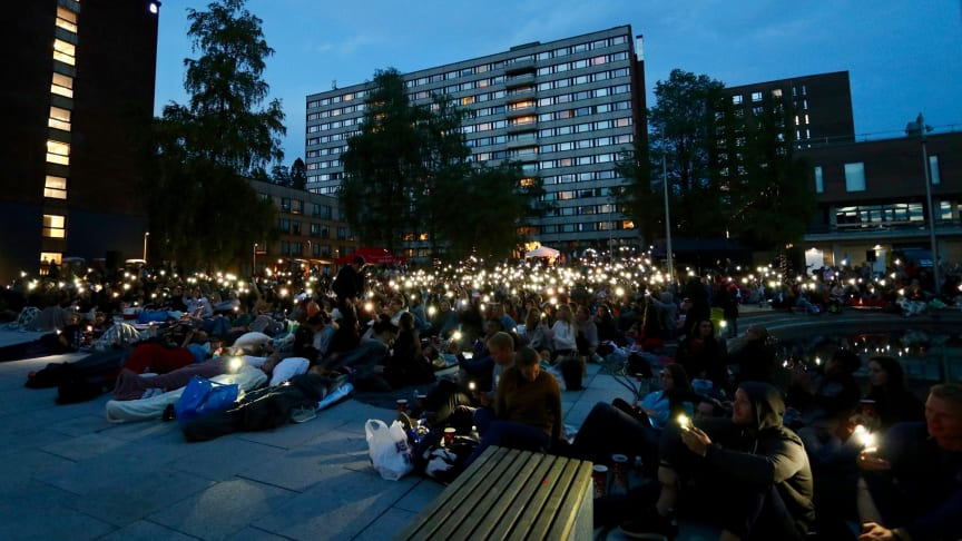 """Det kan bli stadionstemning når Freddy Mercury-hyllesten """"Bohemian Rhapsody"""" vises under åpen himmel på Kringsjå Studentby lørdag 24. august."""