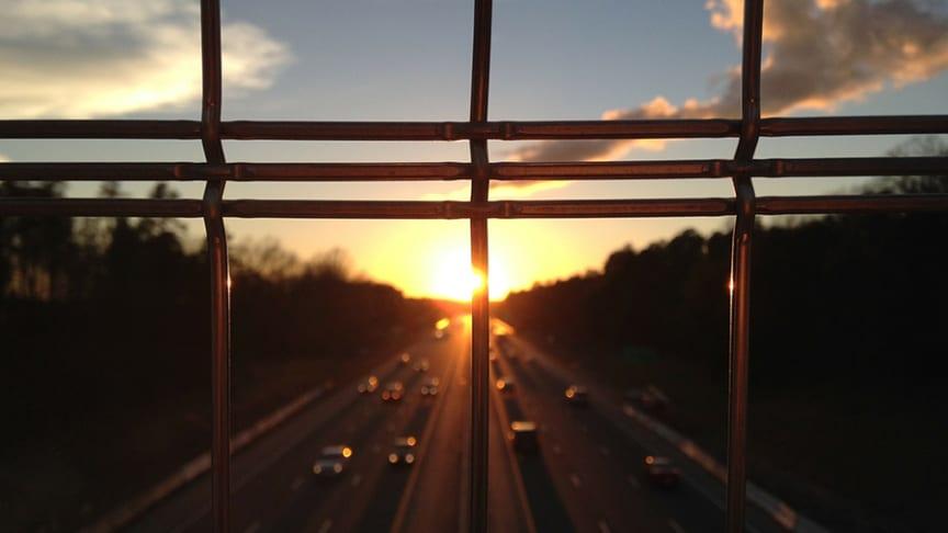 Geofence är framtidens virtuella staket, en teknisk lösning som kan övervaka, kartlägga och styra trafiken inom ett givet område.
