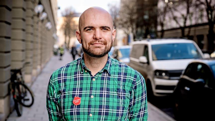 — Från att en person i veckan hört av sig så är det nu fem-sex stycken och många vill gå med i våra onlinegrupper, säger Christian Edlund, samordnare för stödarbetet inom Starta Om. Foto: Jonas Nimmersjö