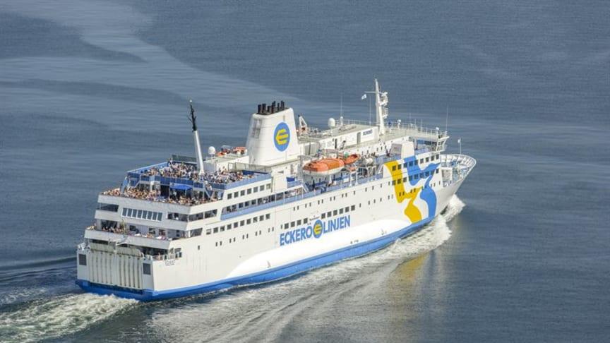 Eckerö Linjen har närmare en miljon passagerare varje år.                                                  Bild: Eckerö Linjen