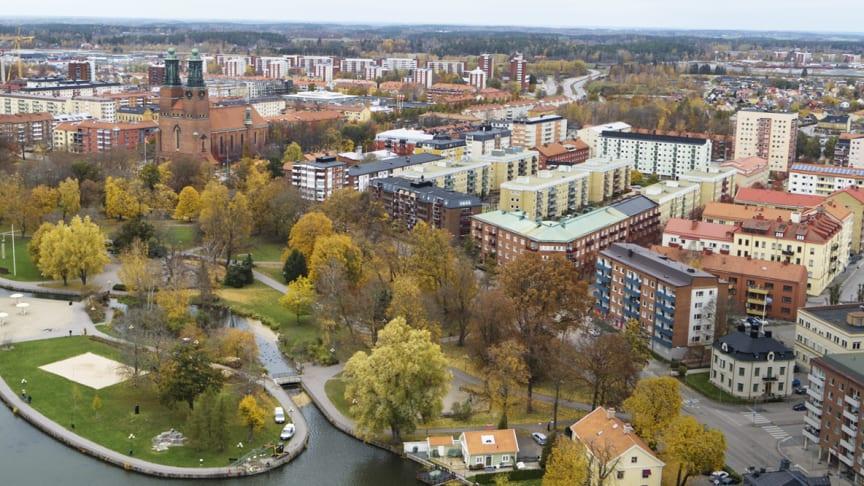 Familjebolag avyttrar fem bostadsfastigheter i centrala Eskilstuna