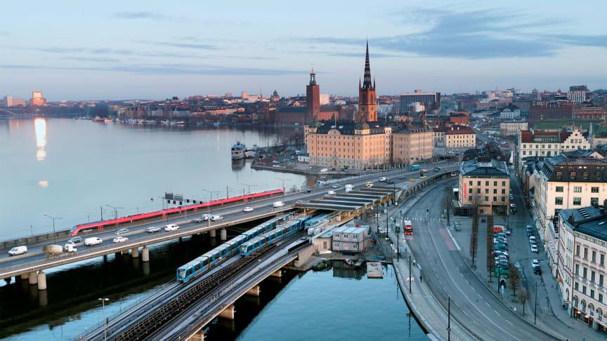 Kollektivtrafiken och tågnäringen viktig för att hålla Sverige rullande