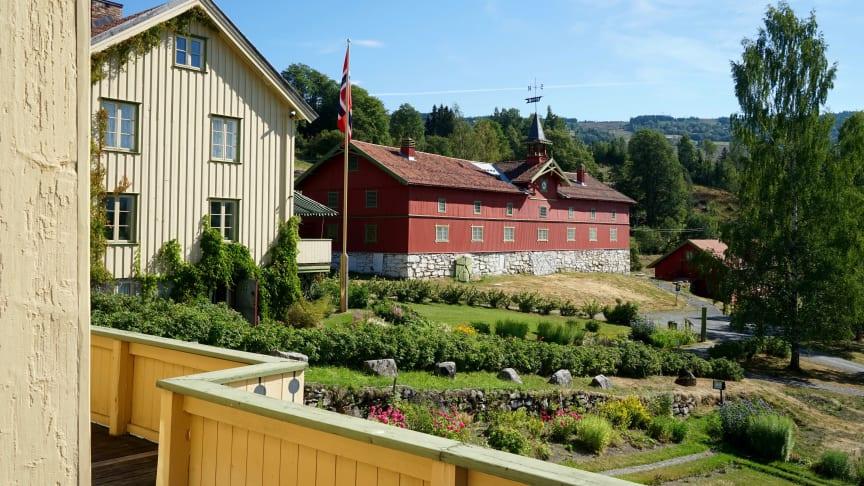 Låven på Bjørnstjerne Bjørnsons hjem Aulestad