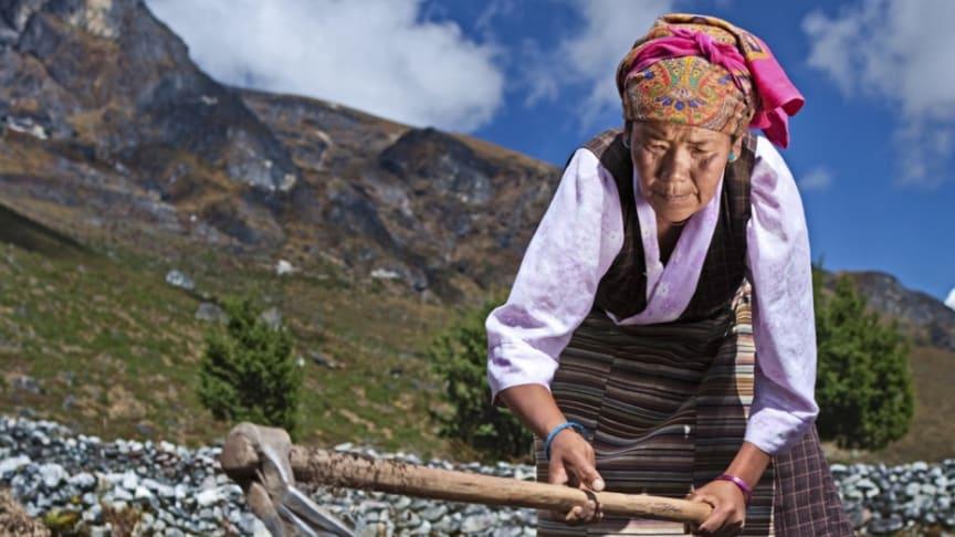 """Traditionella fattigdomsbegrepp som """"fattig"""" och """"rik"""" har blivit föråldrade, enligt en ny rapport från FN:s utvecklingsprogram (UNDP). Foto: UNDP Nepal"""