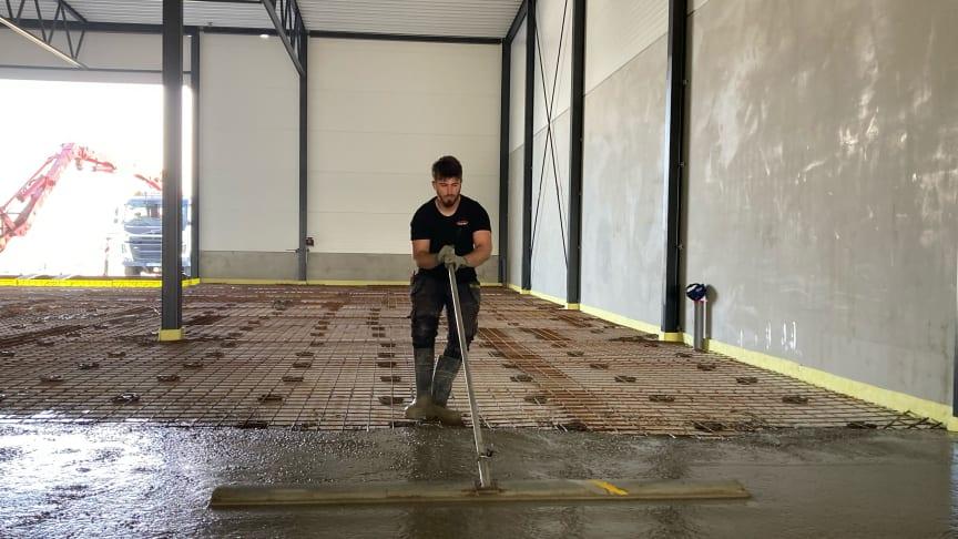 Det är stor efterfrågan på betongarbeten i Skåne. Numera kan Gärahovs Bygg erbjuda betonggjutning externt med kompetent personal i en helt nystartad betongavdelning. Foto: Gärahovs Bygg AB