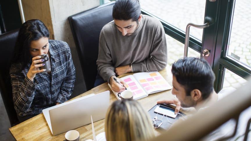 YH leder till jobb. En ny rapport visar att de goda resultaten håller i sig. Foto: Scandinav