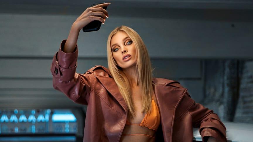 Svenska toppmodellen Elsa Hosk är ambassadör för Brightmond mirrorcase.