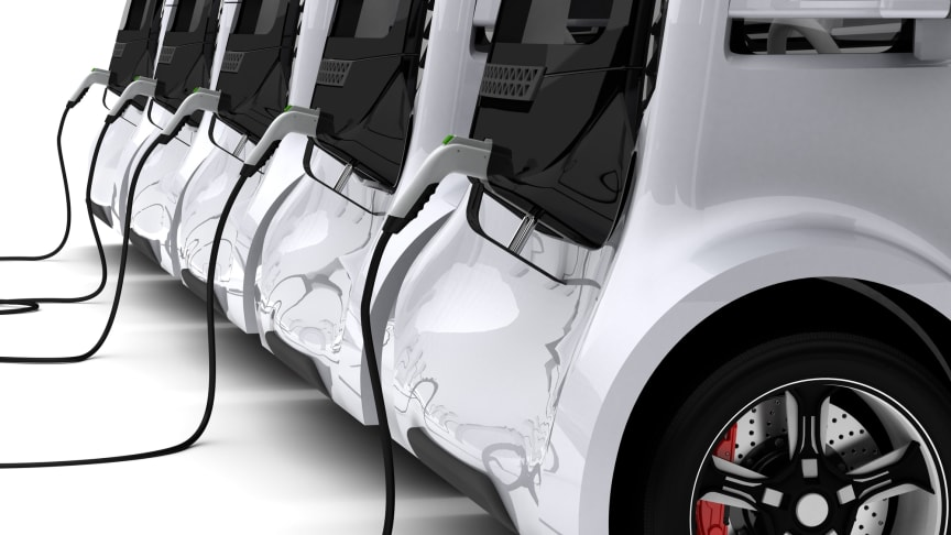 Voitures électriques en train de charger (Getty Images)
