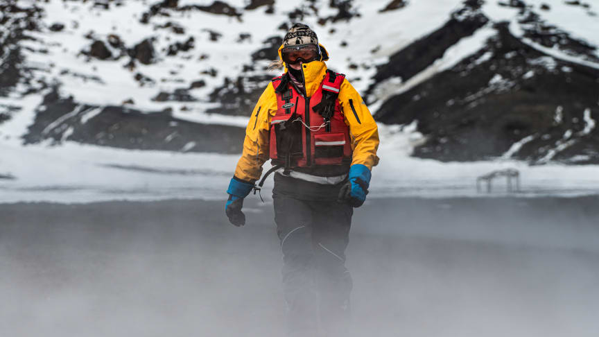 POLAR PIONEER: Karin Strand is a true polar pioneer. At the age of 48, she has completed more than 140 expeditions to Antarctica, making her one of the most experienced explorers in adventure travel. Foto: STEFAN DALL/Hurtigruten