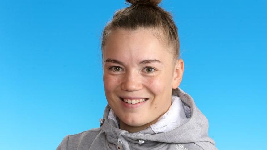 Are Oy:n automaatioasentaja, helsinkiläinen Camilla Ojapalo on ringeten maailmanmestari (Kuva: Suomen Kaukalopallo- ja Ringetteliitto ry)