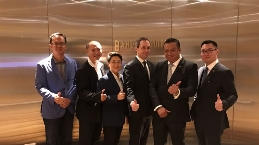 Snapshot (from left): Freddie Tan (Assistant Hon Treasurer), Jackson Chua, Gerry Seah (Hon Treasurer), Mark Laudi, Roger Wang (President) and Dylan Tan (Assistant Honorary Secretary). Photo source: Jackson Chua