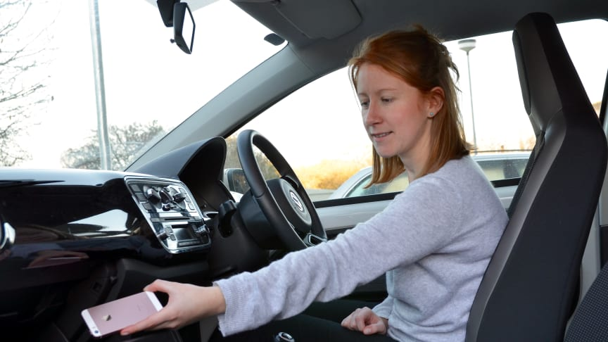 Your New Year's resolution: stop using your handheld phone at the wheel
