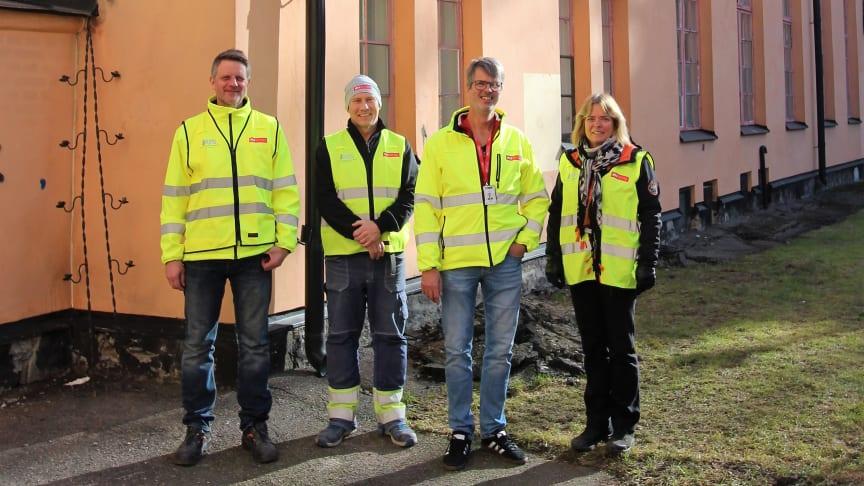 Anders Karlsson, Rolf Frank, Anders Radinger och Christina Lindén från M3 Bygg, som alla är delaktiga i renoveringen av Stockholms Stadsmissions nya mötesplats St Paul. Foto: M3 Bygg