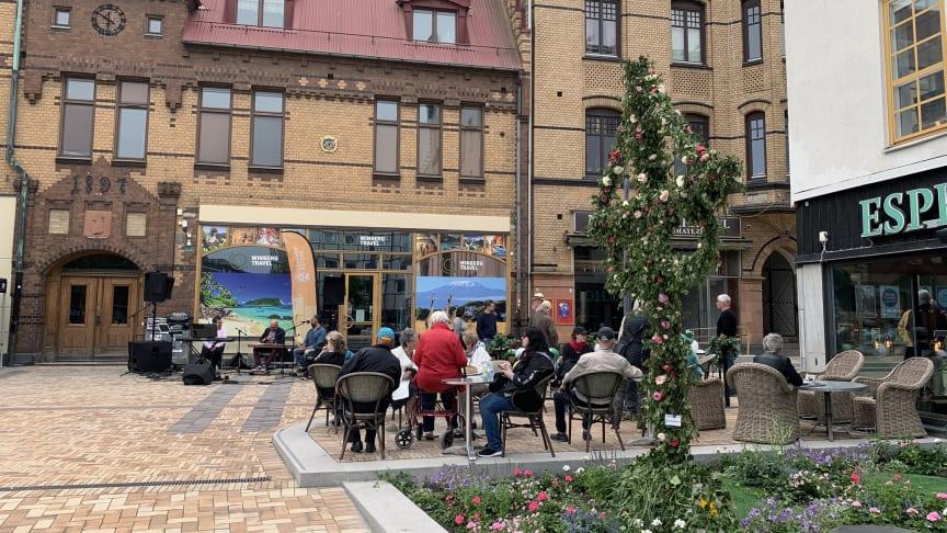 Efter ett och halvt år är nu hela Eslövs ombyggda centrum och torg redo att öppna i juni.