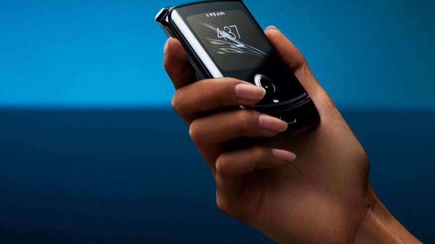 Under 2020 lanseras bland andra Motorola Razr som enbart har stöd för e-SIM.