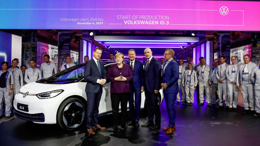 Den tyske Kansler, Angela Merkel, deltog i ID.3 produktionsstart-event på fabrikken i Zwickau mandag den 4. november