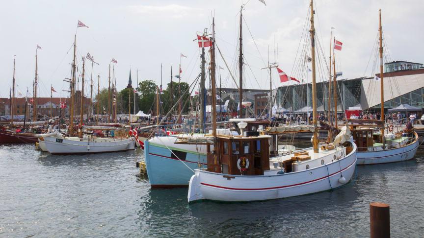 KAJ-KALAS: Lørdag d. 7. august byder M/S Museet for Søfart, Maritimt Værksted Hal 16 og Kulturværftet til gratis fest med dans, musik og udsigt til smukke træbåde.