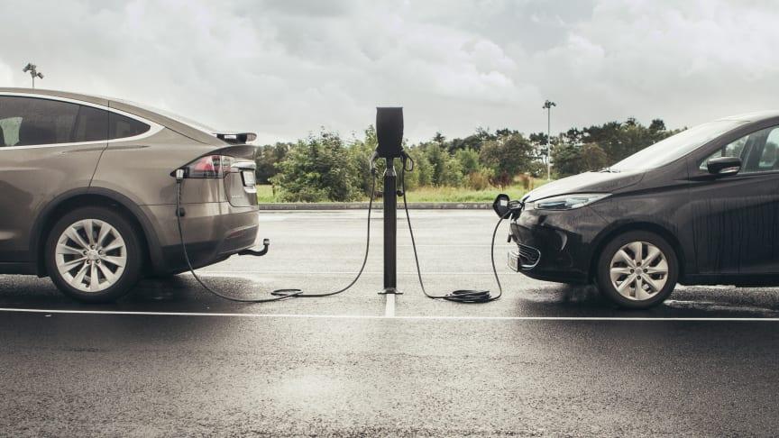 Nå blir det enklere og raskere å lade el-bilen din.