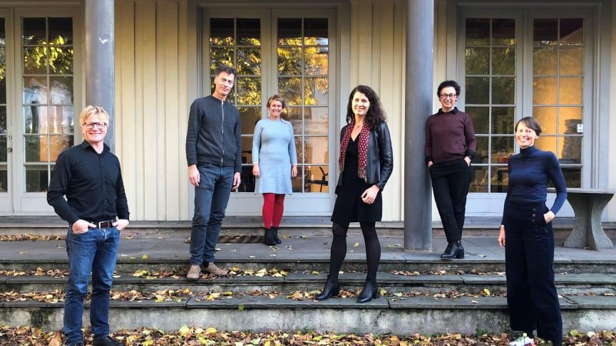 Fra venstre: Anders Nohre-Walldén fra Grønn Byggallianse (prosjektleder), Stein Stoknes og Pia Bodahl fra FutureBuilt, Katharina Bramslev fra Grønn Byggallianse, Kari Bucher og Annicken Vargel fra NAL.