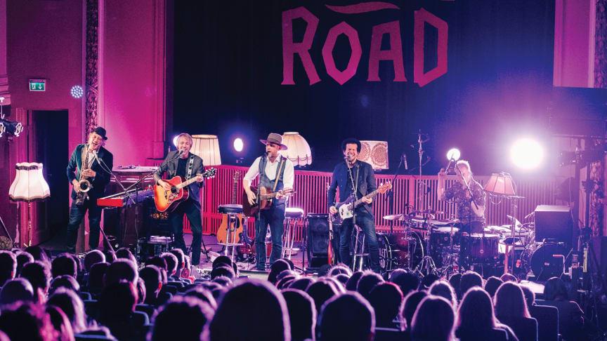 Violet Road ute med akustisk live-album