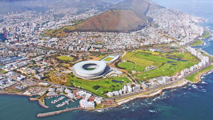 For the perishables business Panalpina is establishing its own presence in South Africa: Cape Town from above (Photo by Sharon Ang, Pixabay)
