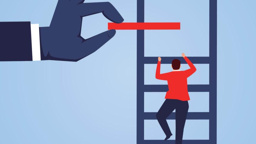 Hjälp att nå nästa nivå på stegen.