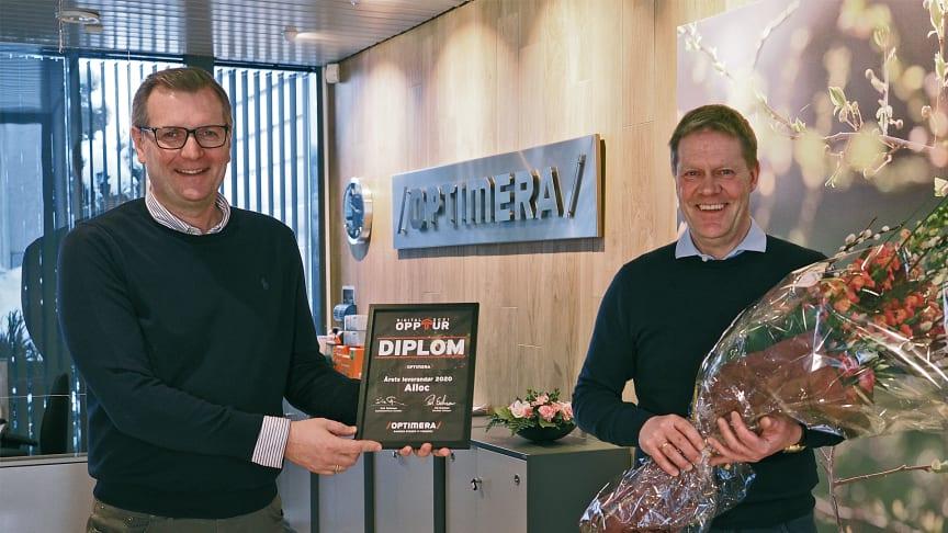 (trenger ikke fotokreditering) Under Optimera-konferansen Opptur mottok Alloc pris som Årets leverandør 2020. Prisen ble også utdelt fysisk av direktør kategori Pål Erichsen (t.v.) til salgsdirektør Jan Lien i Alloc.