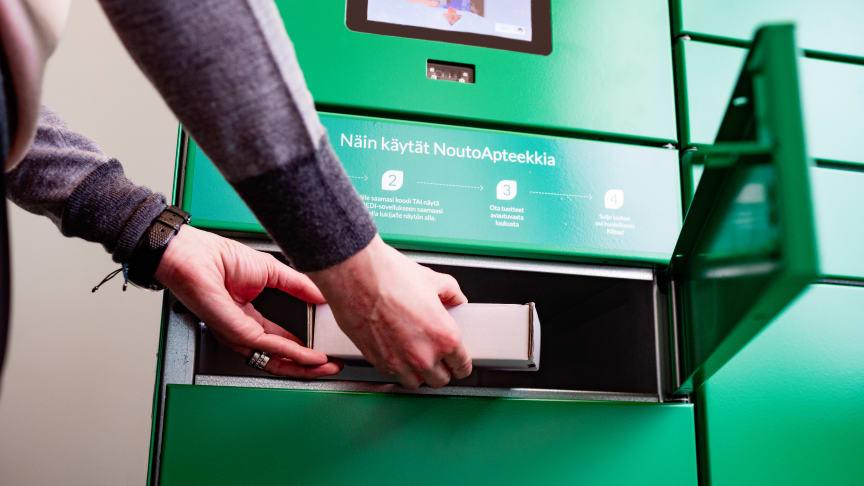 Kolme neljästä tuotteitaan luovutusautomaatista noutavista asiakkaista tekee myymälästä lisäostoksia.