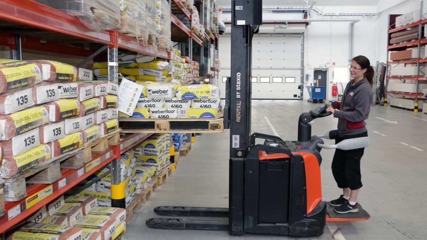 Nio av tio medarbetare trivs i sin yrkesroll i byggmaterialhandeln och åtta av tio skulle rekommendera andra att arbeta i branschen.