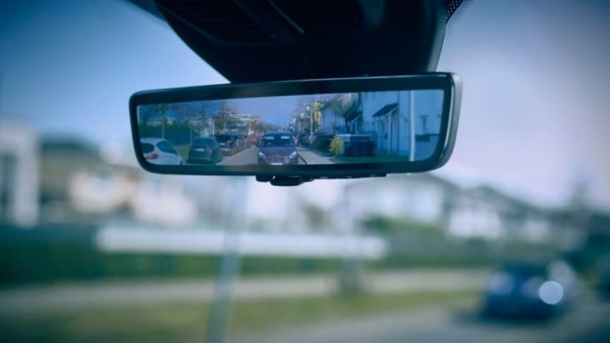 """Fords """"smarta speglar"""" ska hjälpa skåpbilsförare"""