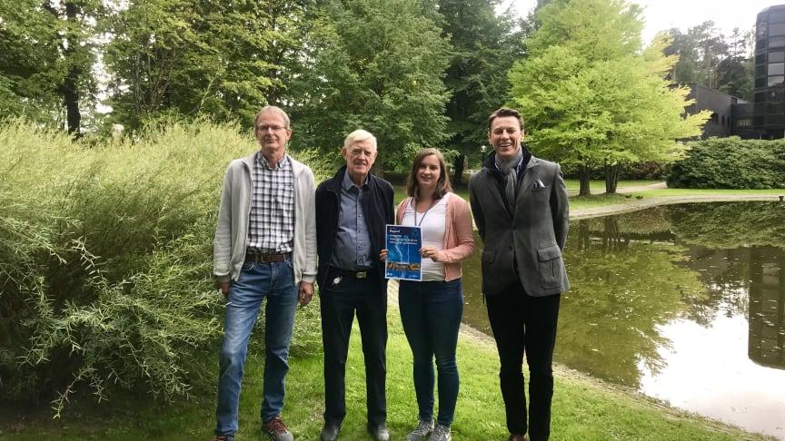 Norconsults fageksperter har utarbeidet en ny rapport for Norsk Vann. Fra venstre: Kjell L. Keseler (forfatter), Ivar Urke (forfatter), Mareike Anika Becker (medforfatter) og Gisle H. Fagerlid (oppdragsleder). (Foto Norconsult)