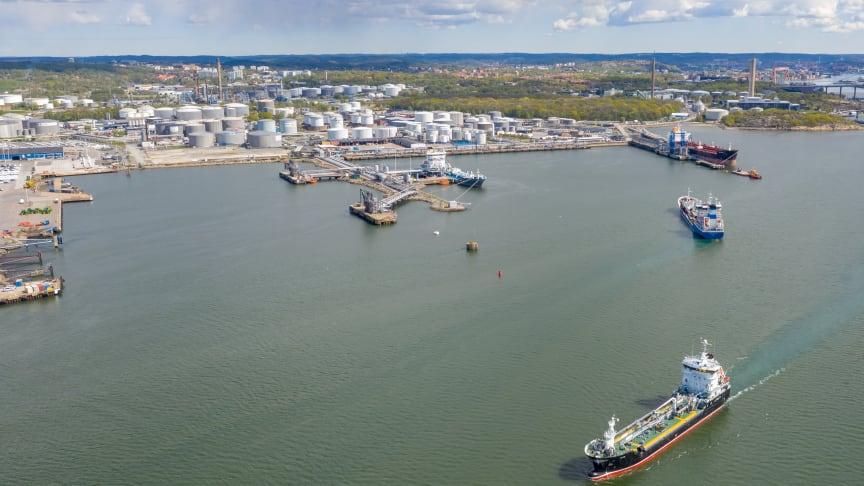 Kajplatserna 519, 520 och 521 är några av hamnens mest trafikerade. Samtliga kommer att erbjuda elanslutning från 2023. Bild: Göteborgs Hamn AB.