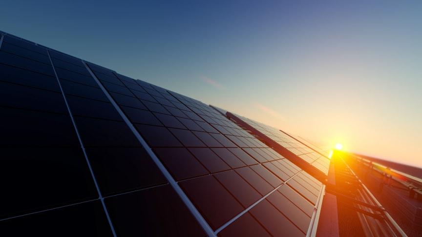 Tio procent av Helsingborgs solels-mål är uppnått och tillväxten fortsätter enligt Öresundskraft.