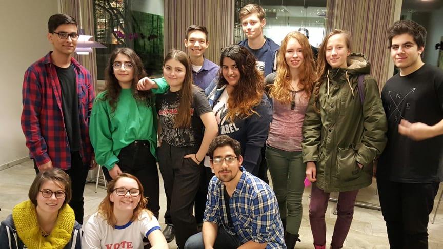 Några av eleverna i Serendipity Café. Foto Rudbeckianska