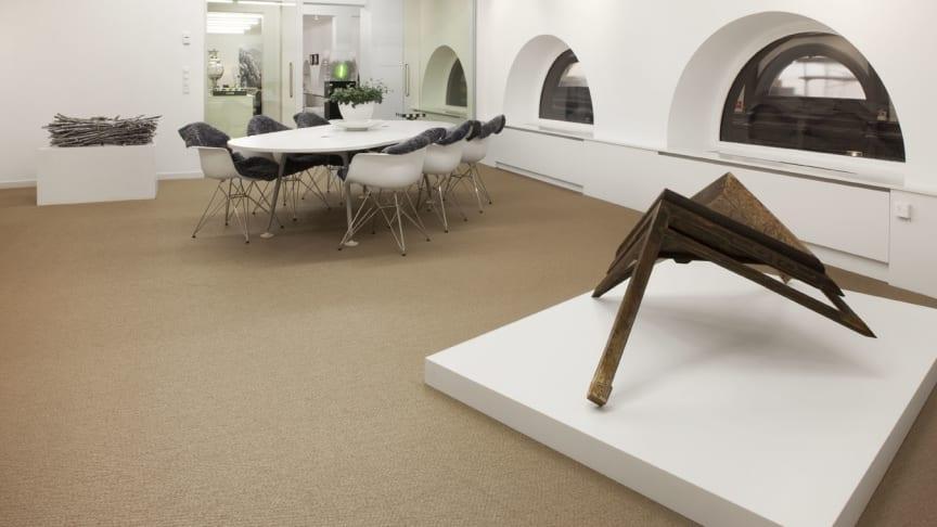 Hufvudstaden presenterar Art at Work i Birger Jarlspassagen.