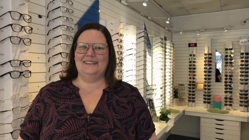 I september i år tog Sanna Laaksoharju över KlarSynt anslutna Skoglunds Optik i Enköping