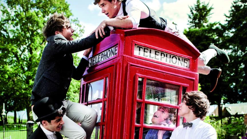 "One Direction avslöjar omslaget till nya albumet ""Take Me Home"""