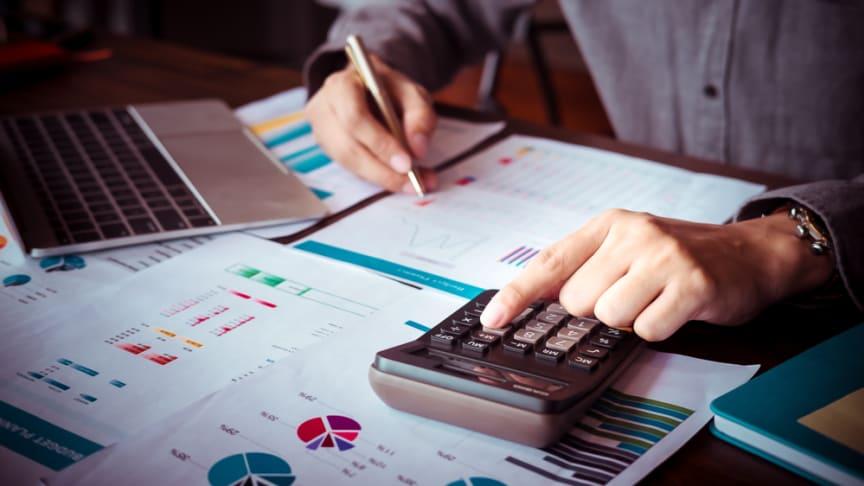 Många småföretagare har en stressig period in i det sista före inbetalning av slutlig skatt. Bild: Shutterstock.