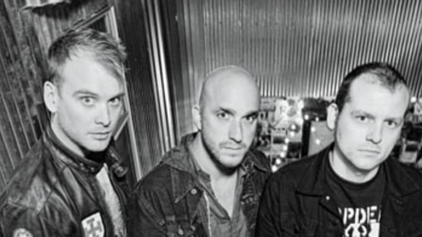 """ALKALINE TRIO: """"Damnesia"""" - Nytt album ute den 15/7!"""