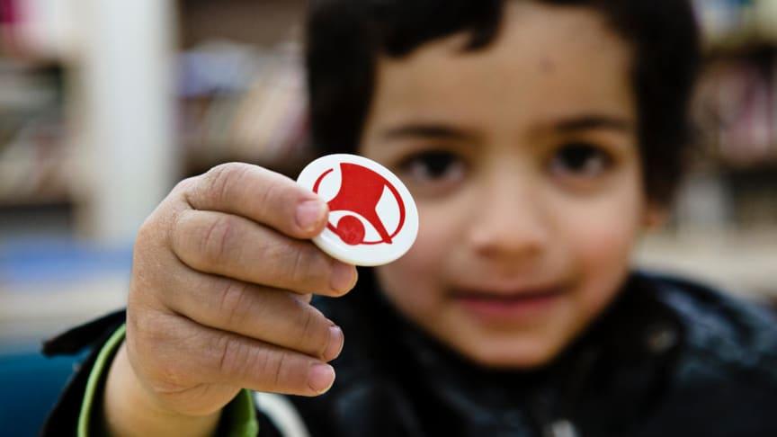 Rädda Barnen har granskat barnfattigdom över tid. Var åttonde har levt i barnfattigdom under större delen av uppväxten.