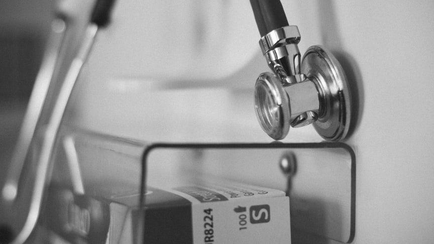 Öka incitamenten för medarbetare inom hälso - och sjukvård att genomgå handledarutbildning och att handleda