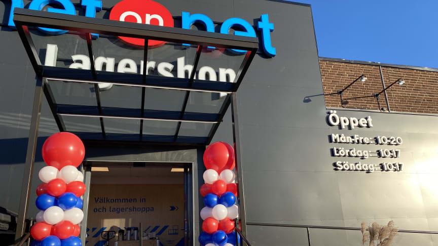 Idag öppnar NetOnNets nya Lagershop i Norrköping. Fokus har legat på att göra en så coronasäker öppning som möjligt - men ballonger har ändå en given plats!