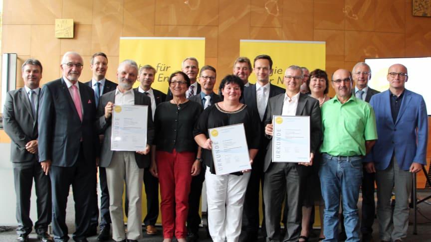In Würzburg wurde am Montag, 10. Juli, der Bürgerenergiepreis Unterfranken 2017 verliehen. Die Bayernwerk AG und die Regierung von Unterfranken würdigen mit der Auszeichnung gesellschaftliche Impulse für die Energiezukunft.
